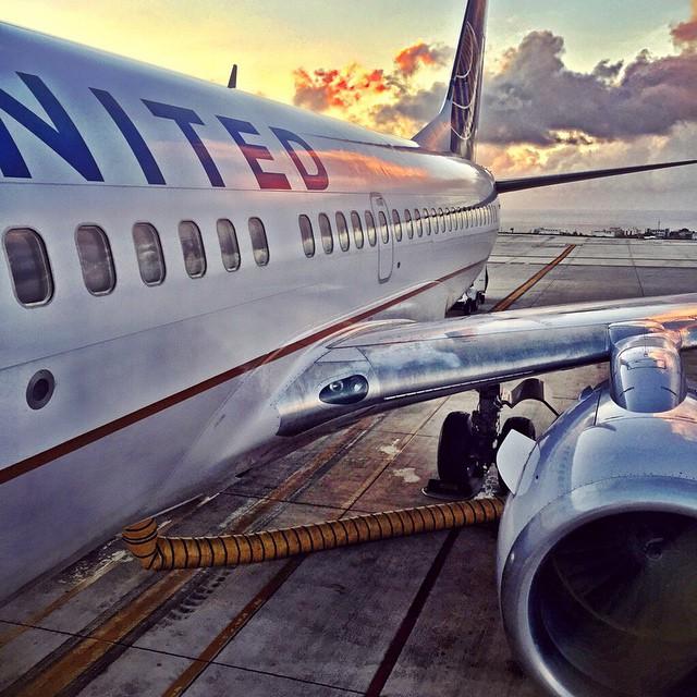 Unites_747_comme_un_avion