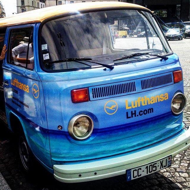 Volkswagen Bulli Lufthansa Street Marketing Paris