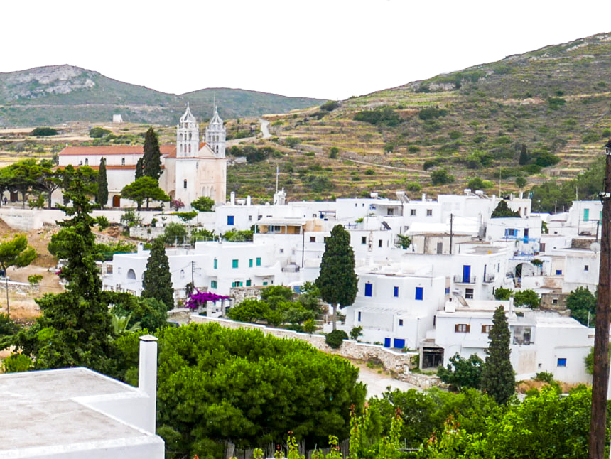 Vue du village de Lefkes à Paros