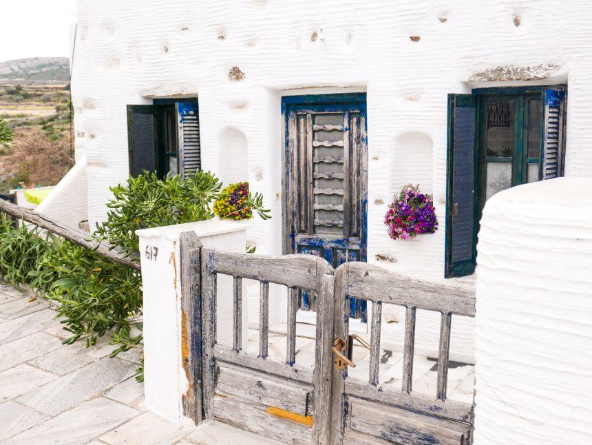 Une maison dans le village de Lefkes à Paros