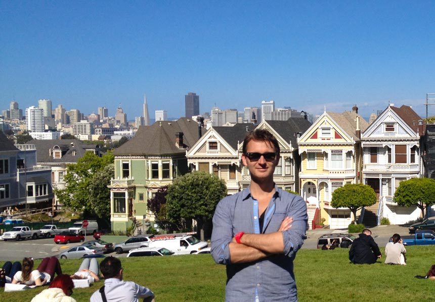 Henri pose devant les painted ladies