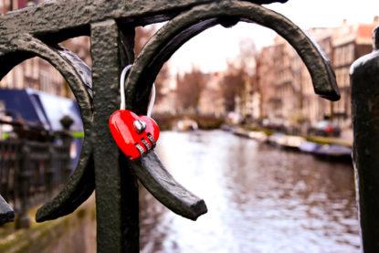 Coeur sur les canaux d'Amsterdam