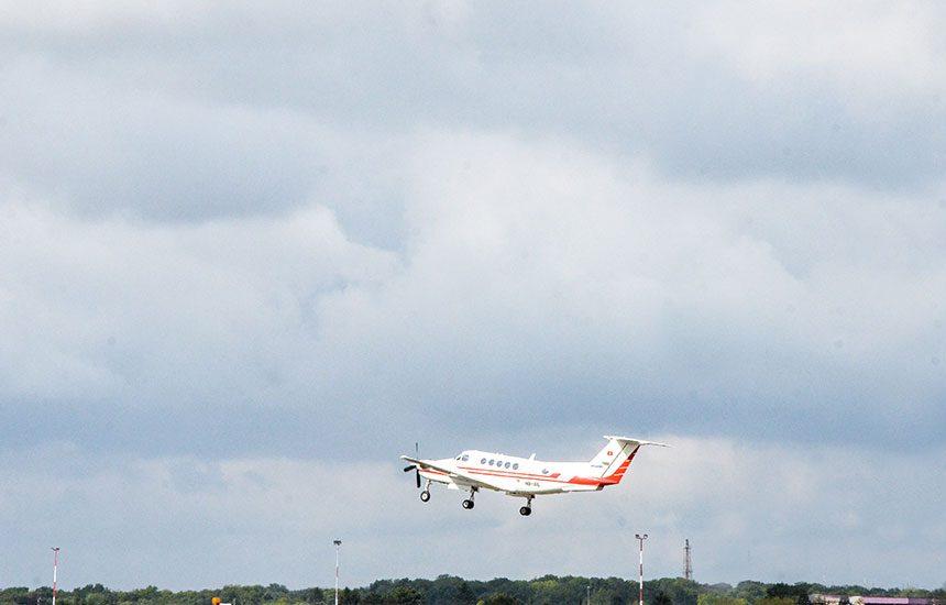 decollage-avion-dole-aeroport