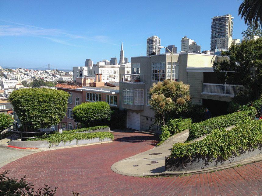 Descendre Lombard Street
