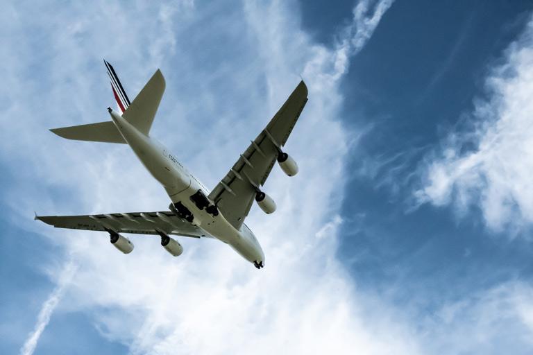 En dessous d'un A380 à Roissy Charles de Gaulle