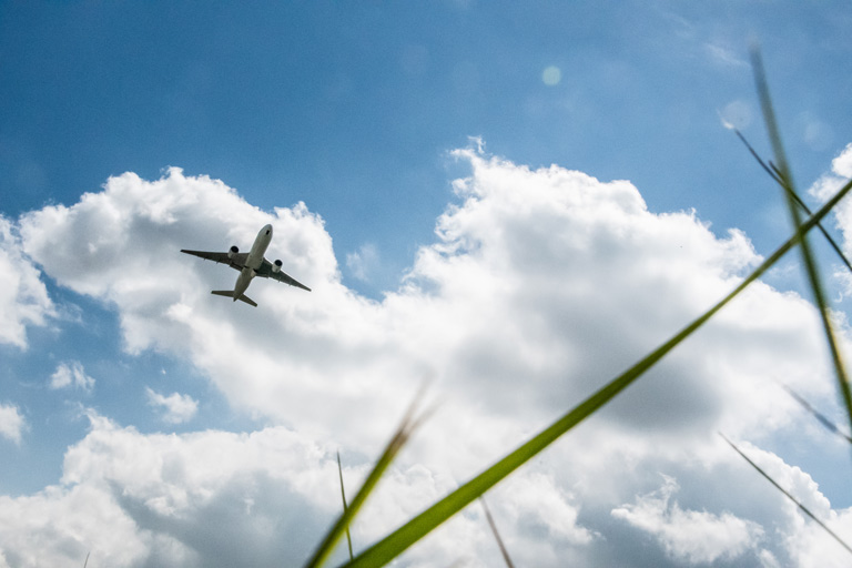 Sous les avions de Roissy CDG